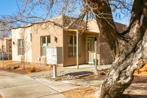 1203 IRON Avenue SW, Albuquerque, NM 87102