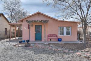 1722 MARBLE Avenue NW, Albuquerque, NM 87104