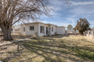 2845 MONROE Street NE, Albuquerque, NM 87110