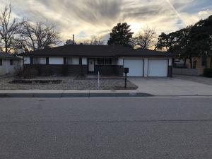 10504 MOONTREE Court NE, Albuquerque, NM 87111