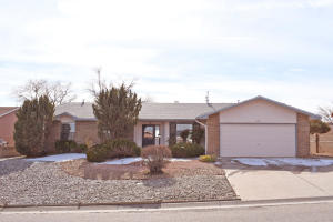 6208 APACHE PLUME Road NE, Rio Rancho, NM 87144