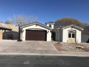 224 ANNA MARIA Place SW, Albuquerque, NM 87105