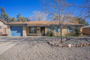 1914 Hendola Drive NE, Albuquerque, NM 87110