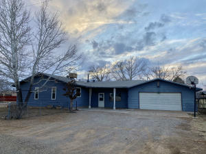 203 Honolulu Avenue, Moriarty, NM 87035