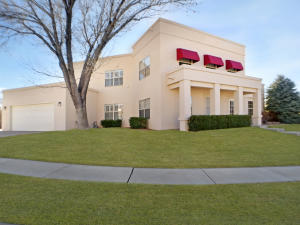 9208 MERIWETHER Avenue NE, Albuquerque, NM 87109