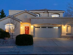 10720 FLAGSTONE Place NW, Albuquerque, NM 87114