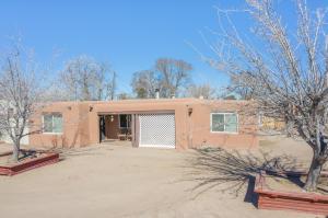 1103 LA LUZ Avenue NW, Albuquerque, NM 87107