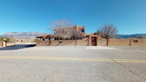 11210 Santa Monica Drive NE, Albuquerque, NM 87122