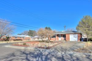 2636 CARDENAS Drive NE, Albuquerque, NM 87110