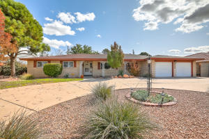2306 CUTLER Avenue NE, Albuquerque, NM 87106