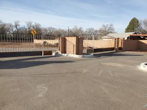 246 Valle Encantado Drive NW, Albuquerque, NM 87107