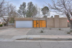7734 MCKNIGHT Avenue NE, Albuquerque, NM 87110