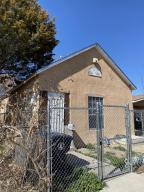 1109 2ND Street SW, Albuquerque, NM 87102