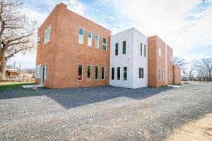 670 AMISTAD Drive SW, Los Lunas, NM 87031