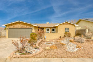 8705 DEMOCRACY Road NE, Albuquerque, NM 87109