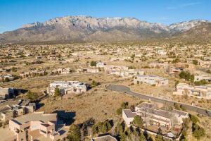 6105 Club Cholla Court NE, Albuquerque, NM 87111