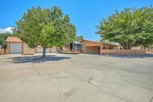 7610 2ND Street NW, Albuquerque, NM 87107