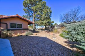 4449 KELLIA Lane NE, Albuquerque, NM 87111