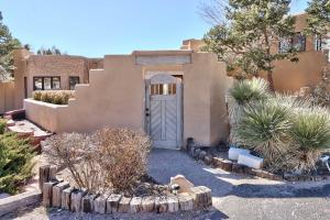 1203 MARIGOLD Drive NE, Albuquerque, NM 87122