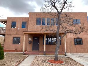 3310 Mackland Avenue NE, Albuquerque, NM 87106