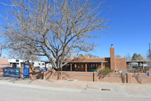 3116 HUGHES Road SW, Albuquerque, NM 87105