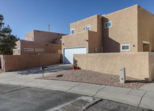9323 OSUNA Place NE, Albuquerque, NM 87111