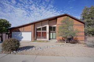 613 Mark Drive NE, Albuquerque, NM 87123