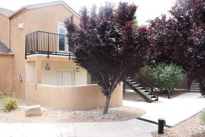 2401 CHELWOOD PARK Boulevard NE, D2, Albuquerque, NM 87112