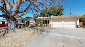11605 VERSAILLES Avenue NE, Albuquerque, NM 87111