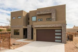2712 PUERTA DEL BOSQUE Lane NW, Albuquerque, NM 87104