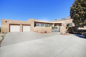 12205 EAGLE ROCK Avenue NE, Albuquerque, NM 87122