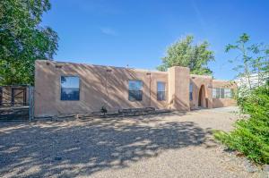 10200 PARK Lane NW, Albuquerque, NM 87114