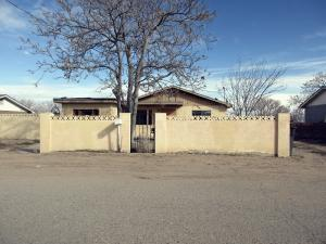 5466 WINCHESTER Road SW, Albuquerque, NM 87121
