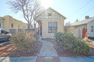 706 SLATE Avenue NW, Albuquerque, NM 87102