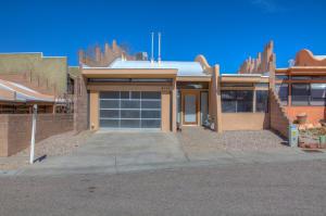 4108 BAY Court NE, Albuquerque, NM 87111