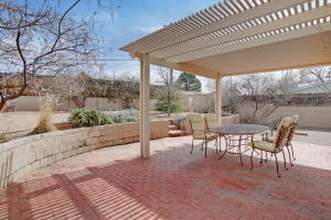 2610 SCHELL Place NE, Albuquerque, NM 87106