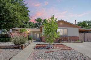 8905 Aspen Avenue NE, Albuquerque, NM 87112
