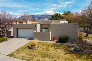 6400 TURNBERRY Lane NE, Albuquerque, NM 87111