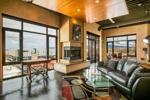 100 GOLD Avenue SW, 601, Albuquerque, NM 87102