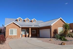 9824 BUCKEYE Street NW, Albuquerque, NM 87114
