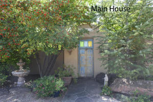 6927 Guadalupe Trail NW, Los Ranchos, NM 87107