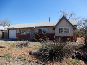 300 CONCHAS Street NE, Albuquerque, NM 87123