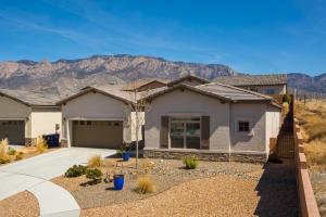 8100 Ronan Court, Albuquerque, NM 87122