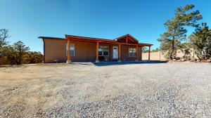 9 Scotties Way, Pecos, NM 87552