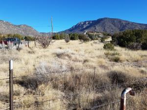 4 Monticello Drive NE, Albuquerque, NM 87123