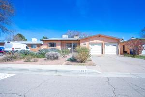 1012 CHAMA Street NE, Albuquerque, NM 87110