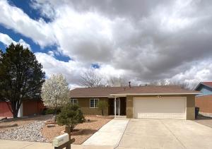 7213 SANTA FE Trail NW, Albuquerque, NM 87120