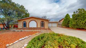 6413 ESTHER Avenue NE, Albuquerque, NM 87109
