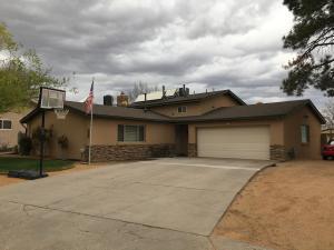 5501 FORDHAM Drive NW, Albuquerque, NM 87114