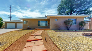 3312 Loma Vista Place NE, Albuquerque, NM 87106